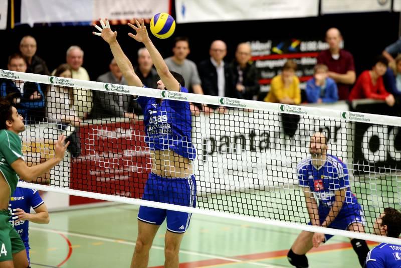 Volley Amriswil schlägt Näfels in fünf Sätzen