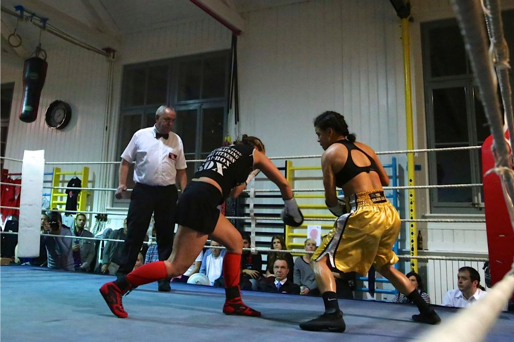 Boxen: Viviane Obenauf mit spektakulärem KO-Sieg in der Matte (Bern)