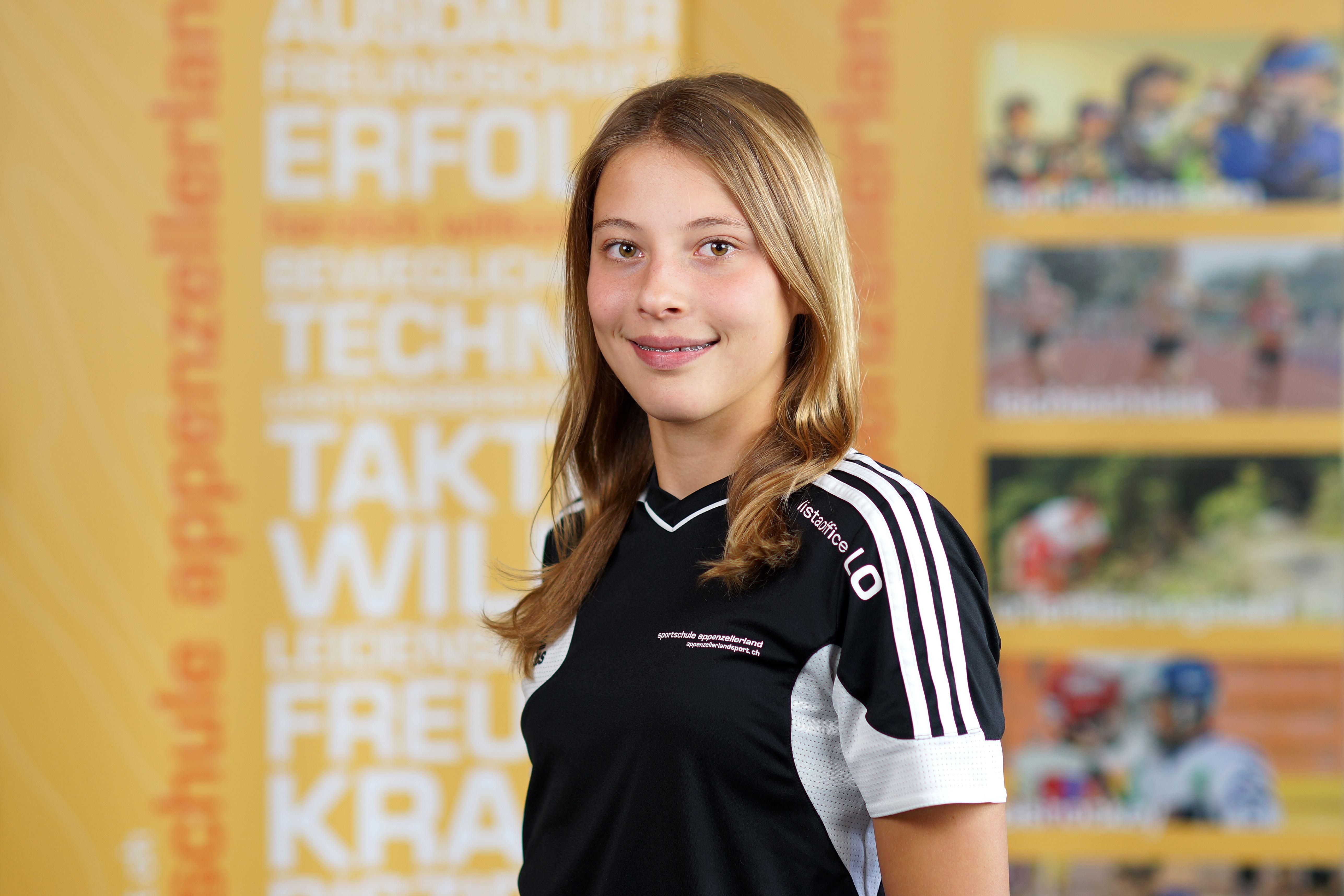 Julia Simmchen holt überlegen Gold