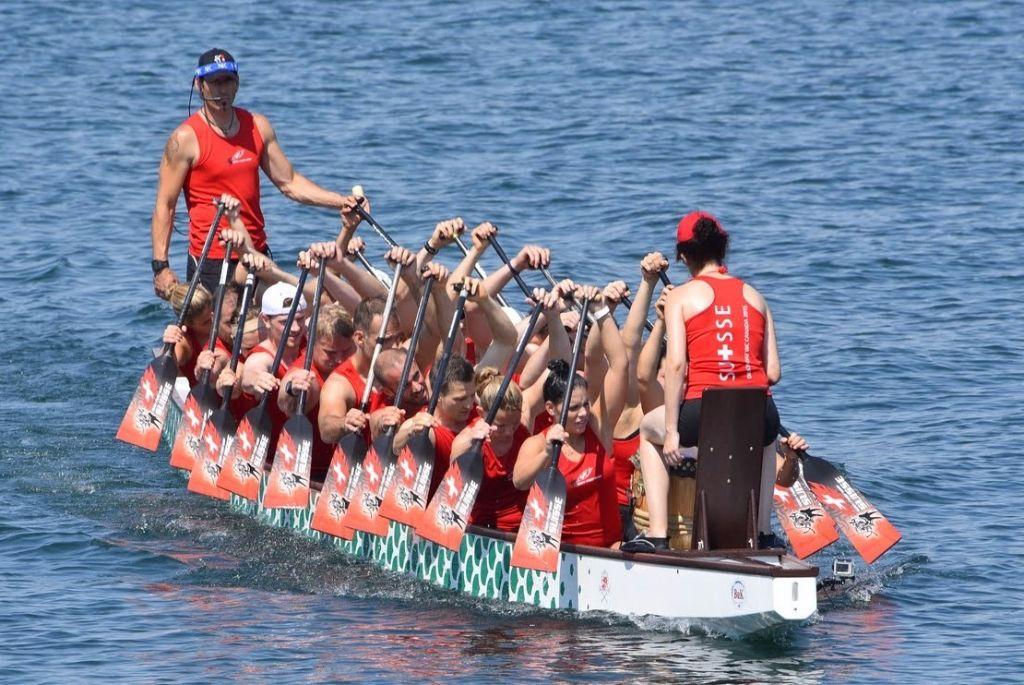 Die Schweizer Drachenboot-Natiauf dem Weg nach China