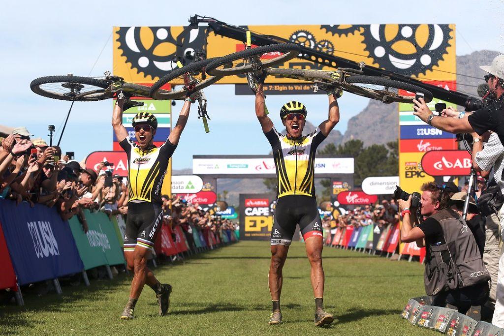 Olympiasieger Nino Schurter gewinnt das prestigeträchtigste Bike-Etappenrennen der Welt