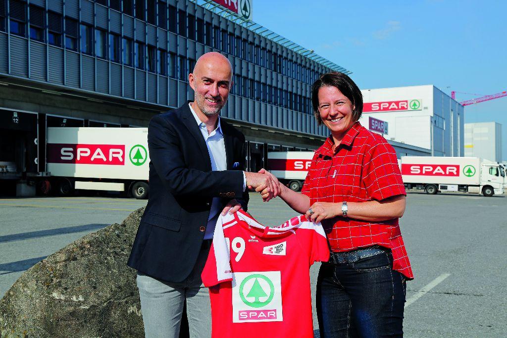 SPAR verlängert und erweitert sein Engagement im Handball bis 2019