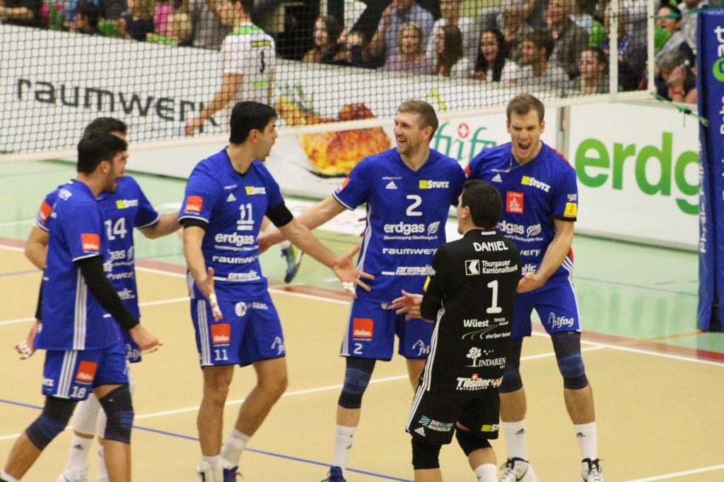 Volley Amriswil gewinnt Spitzenspiel klar