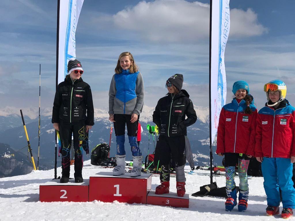 Sarah Zoller holt sich den Jugend-Schweizermeistertitel im Slalom