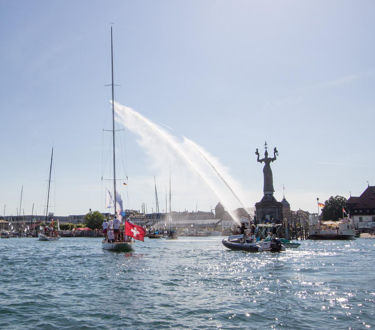 Ein großes Seefest für Segler, Ruderer und Besucher