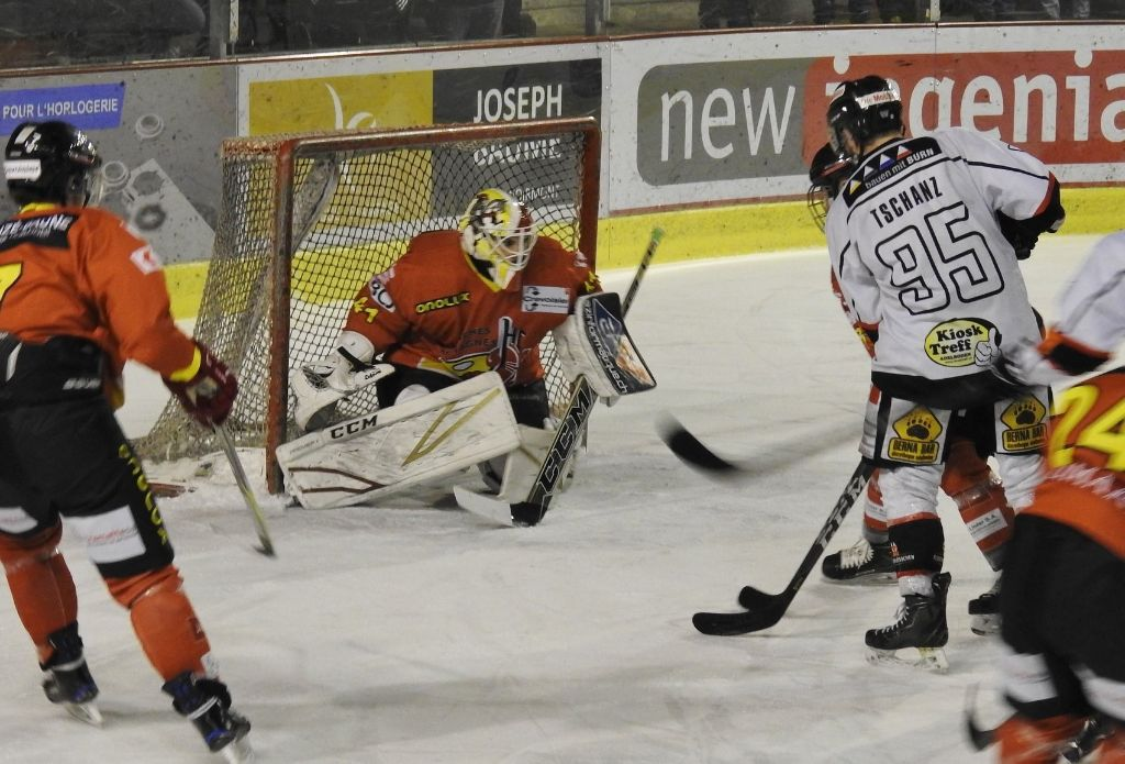 Niederlage in Spiel 1 gegen HC Franches