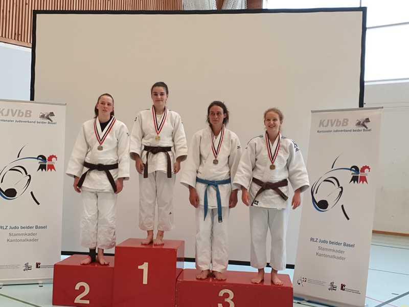 Vier Medaillen für die Zünd-Schwestern