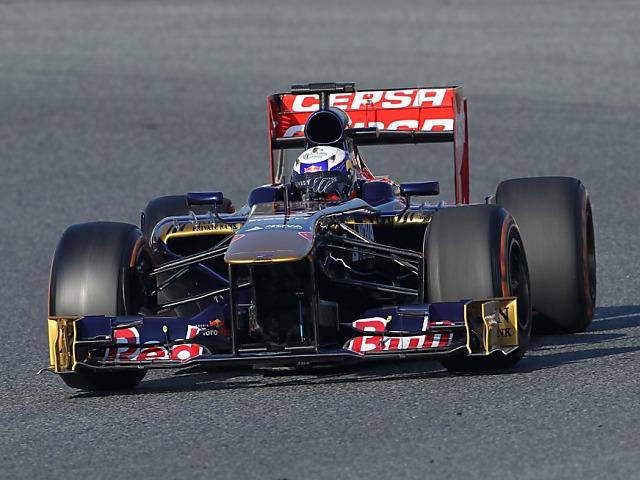 Ricciardo mit Bestzeit und Ausflug ins Kies