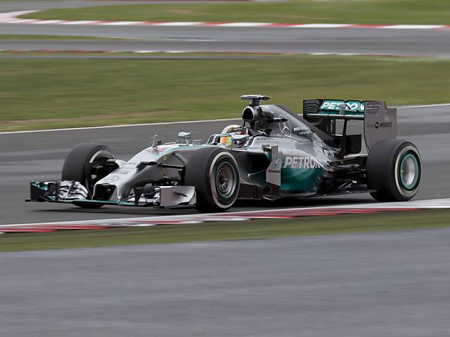 Hamilton nach Sieg wieder an Rosberg dran