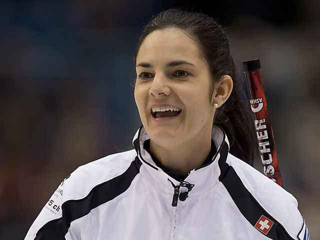 Curlerinnen besiegen Schweden und Deutschland