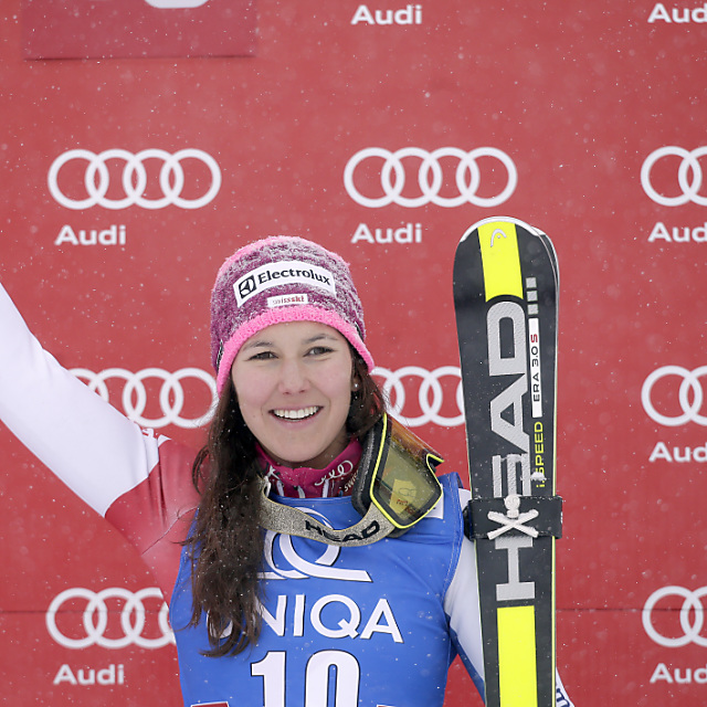 Hansdotter gewinnt Slalom in Flachau, Holdener auf Rang 4