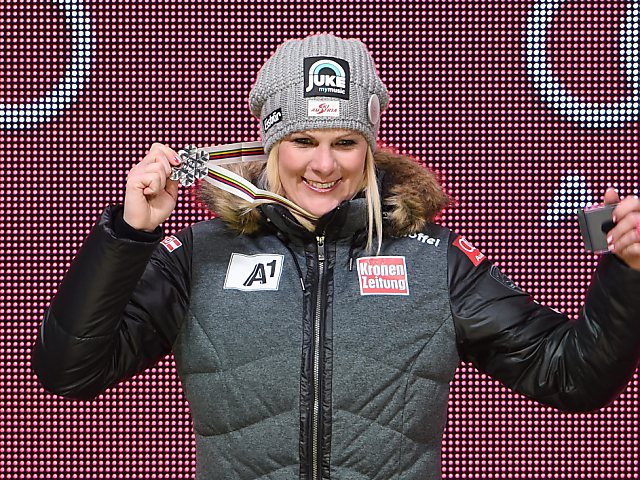 Nicole Hosp winkt im Team-Event nächste Medaille