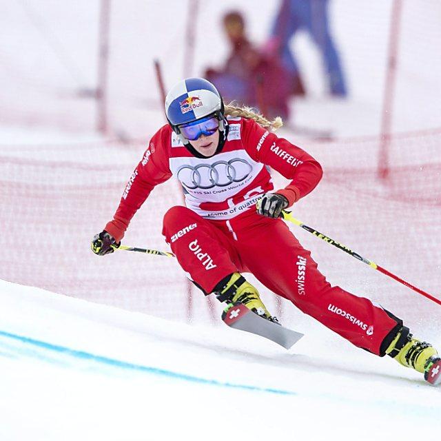 Skicrosserin Smith neue Gesamtführende