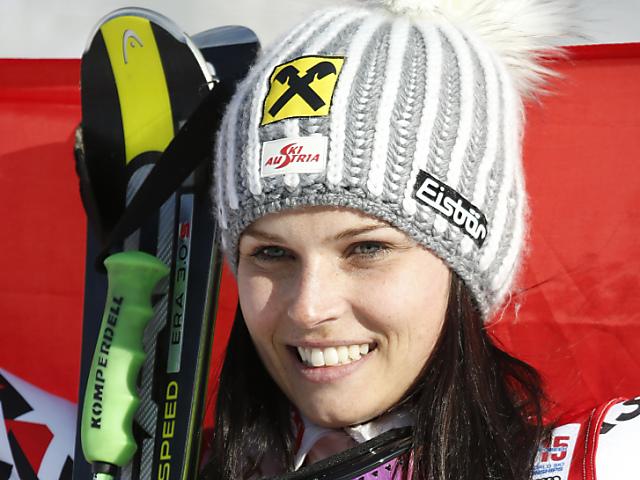 Anna Fenninger knapp vor Viktoria Rebensburg