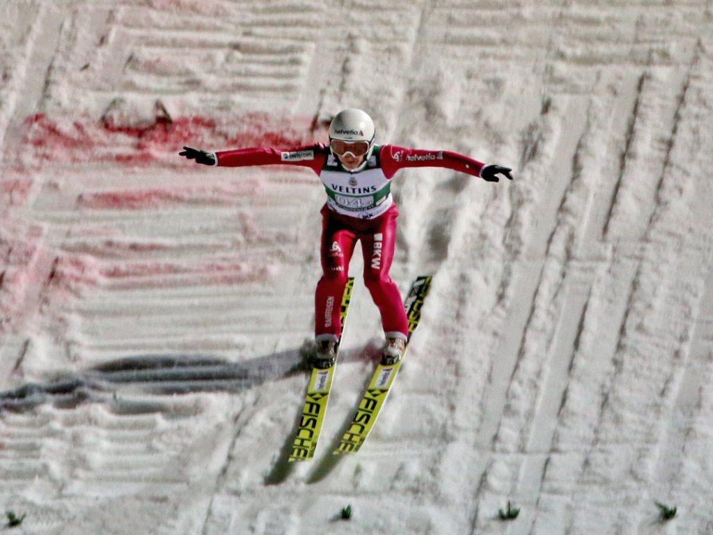 Simon Ammann springt auf den 10. Platz