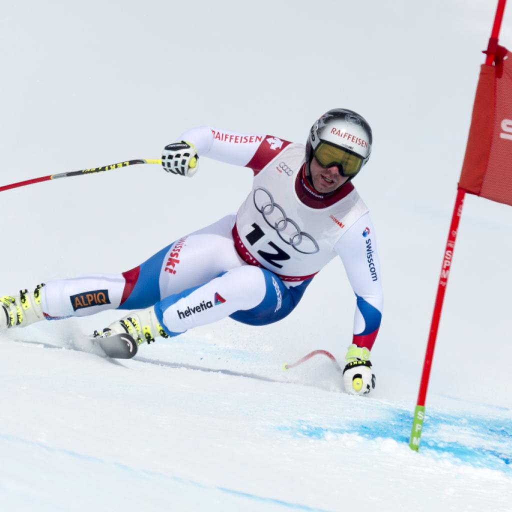 Beat Feuz trainiert wieder auf Ski