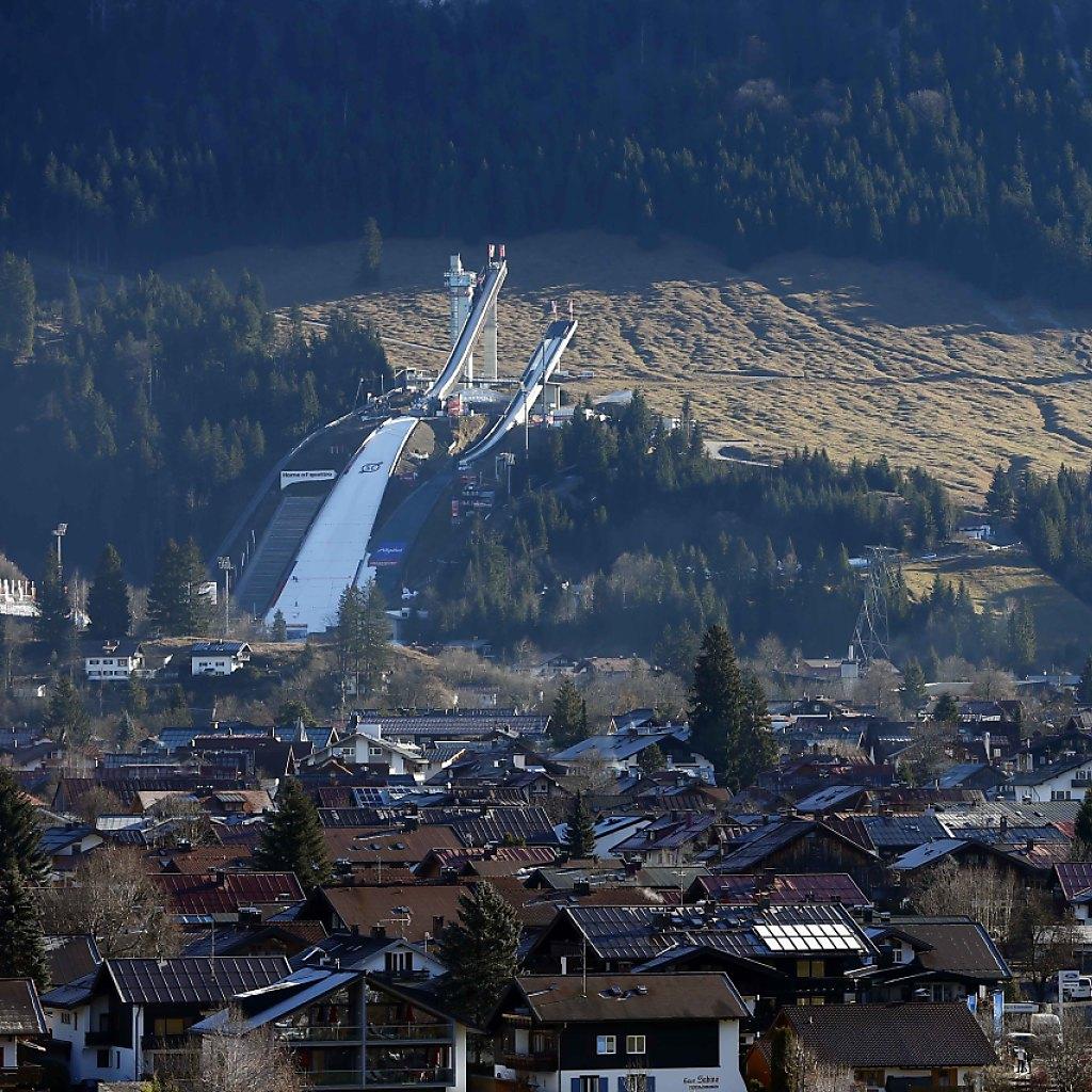 Ammann und Deschwanden springen beim Tournee-Auftakt in Oberstdorf