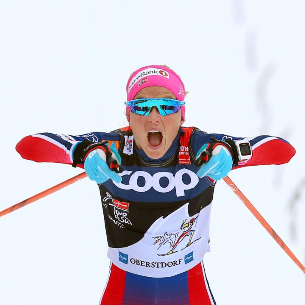 Johaug überholt Östberg und gewinnt die Tour de Ski
