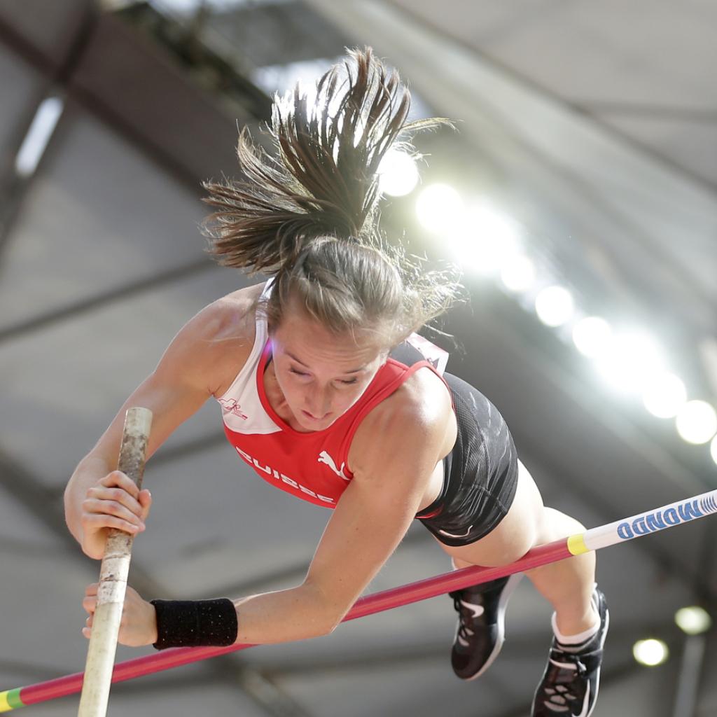 Stabhochspringerin Nicole Büchler mit neuer Hallenrekordmarke