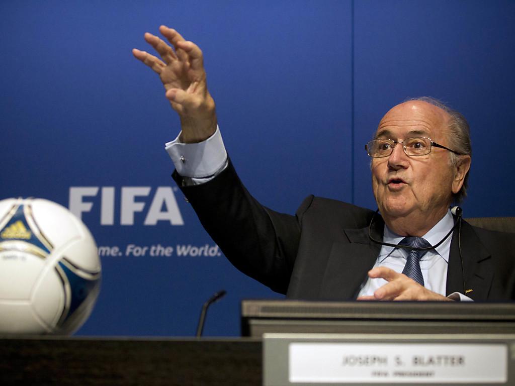 Blatter will trotz Sperre zur WM 2018 reisen